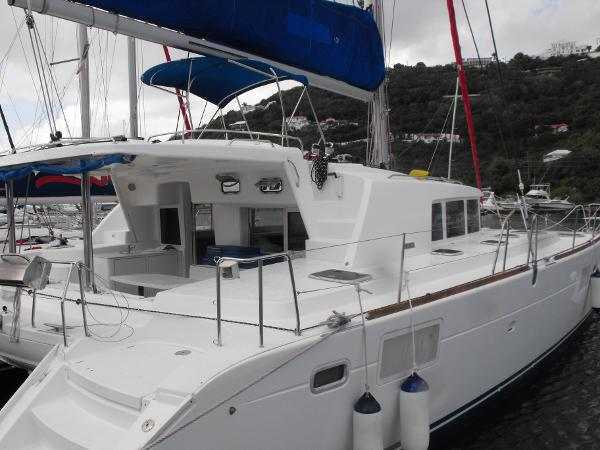 Lagoon 440 Starboard View