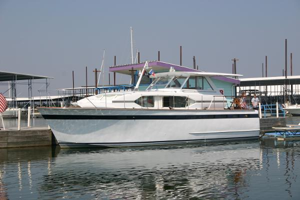 Chris-Craft 47 Roamer