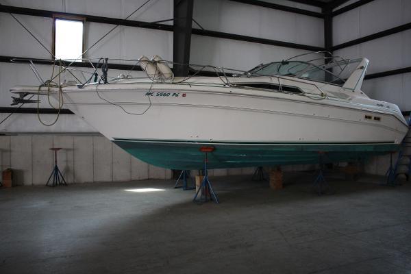 Sea Ray 330 Sundancer Boat View
