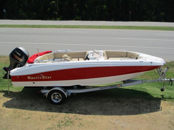 NauticStar 203SC Sport Deck