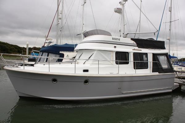 Beneteau Swift Trawler 34 Port side