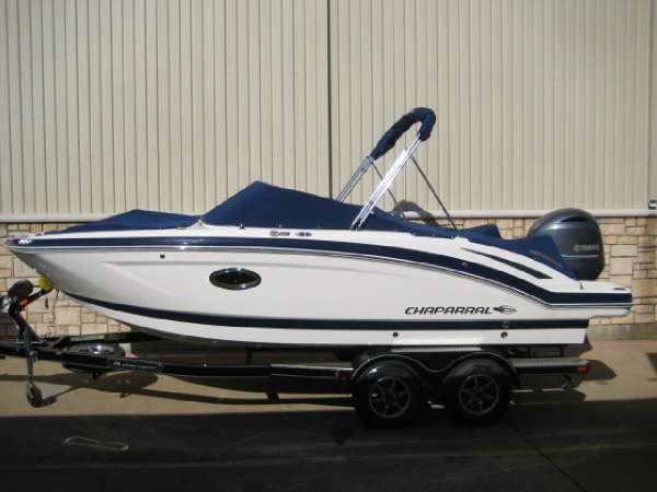 Chaparral 210 Suncoast Ski & Fish