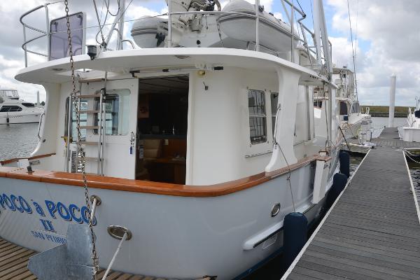 Stbd stern & side boarding