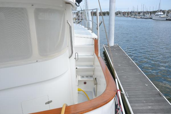 Stbd sidedeck to boatdeck
