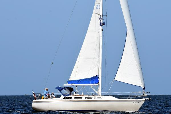 Catalina 36 MK I Vela under sail