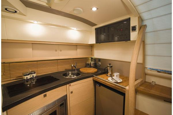 Fairline Targa 38 Galley