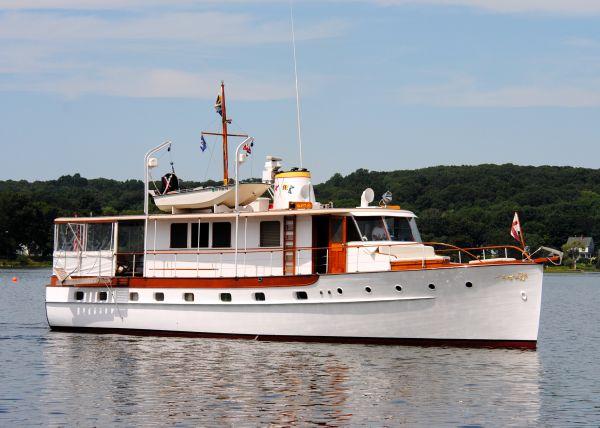 Trumpy Mathis Trumpy Houseboat