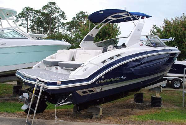 Chaparral 257 SSX Bowrider 2017-Chaparral-257-SSX-Dual-Console-Bowrider-For-Sale