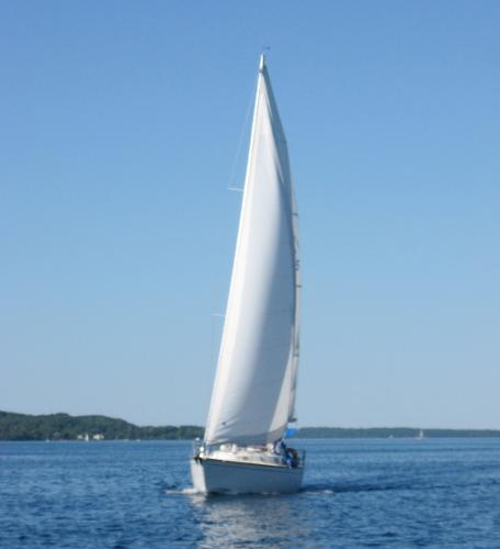 Tartan 3500 Underway Bow Port Aft
