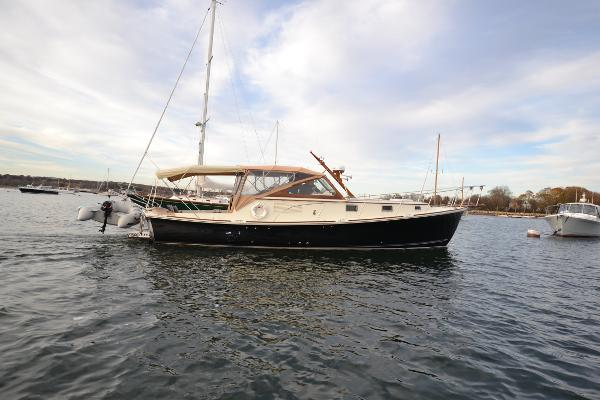 Dyer 40 Express Cruiser Dyer 40 Express Cruiser: