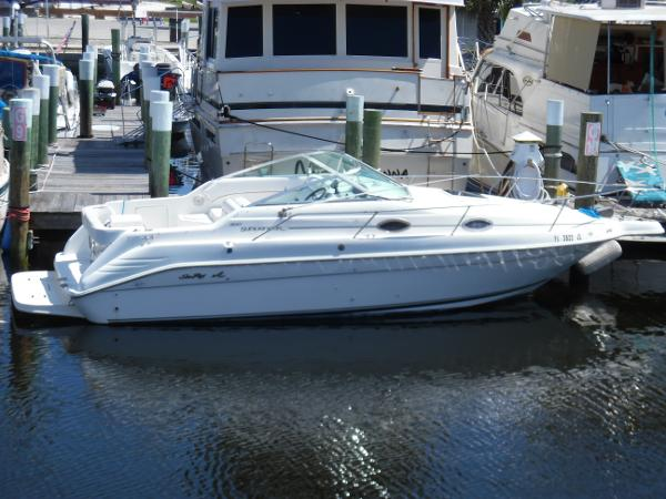Sea Ray 250 Sundancer In Water Dockside