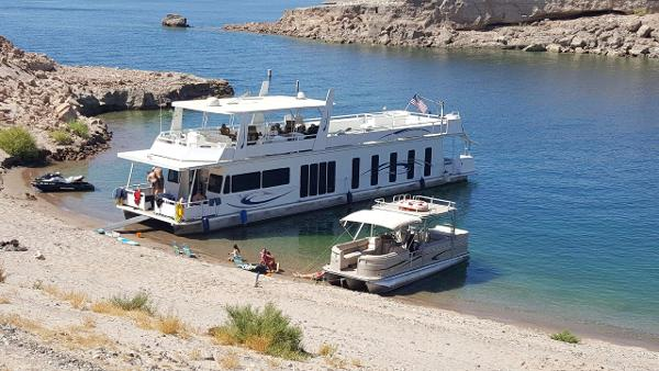 Destination Yacht Custom Houseboat