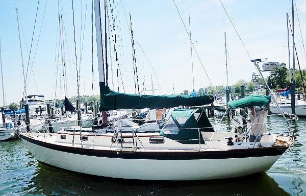 Morris Yachts Justine Morris Yachts Jutine