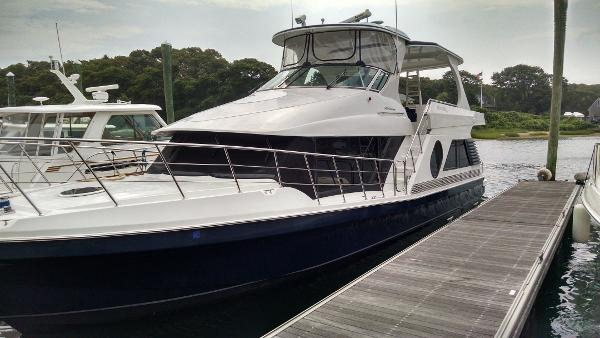 Bluewater Yachts 5200 Custom Series