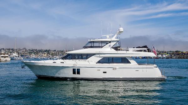Ocean Alexander 72 Pilothouse profile
