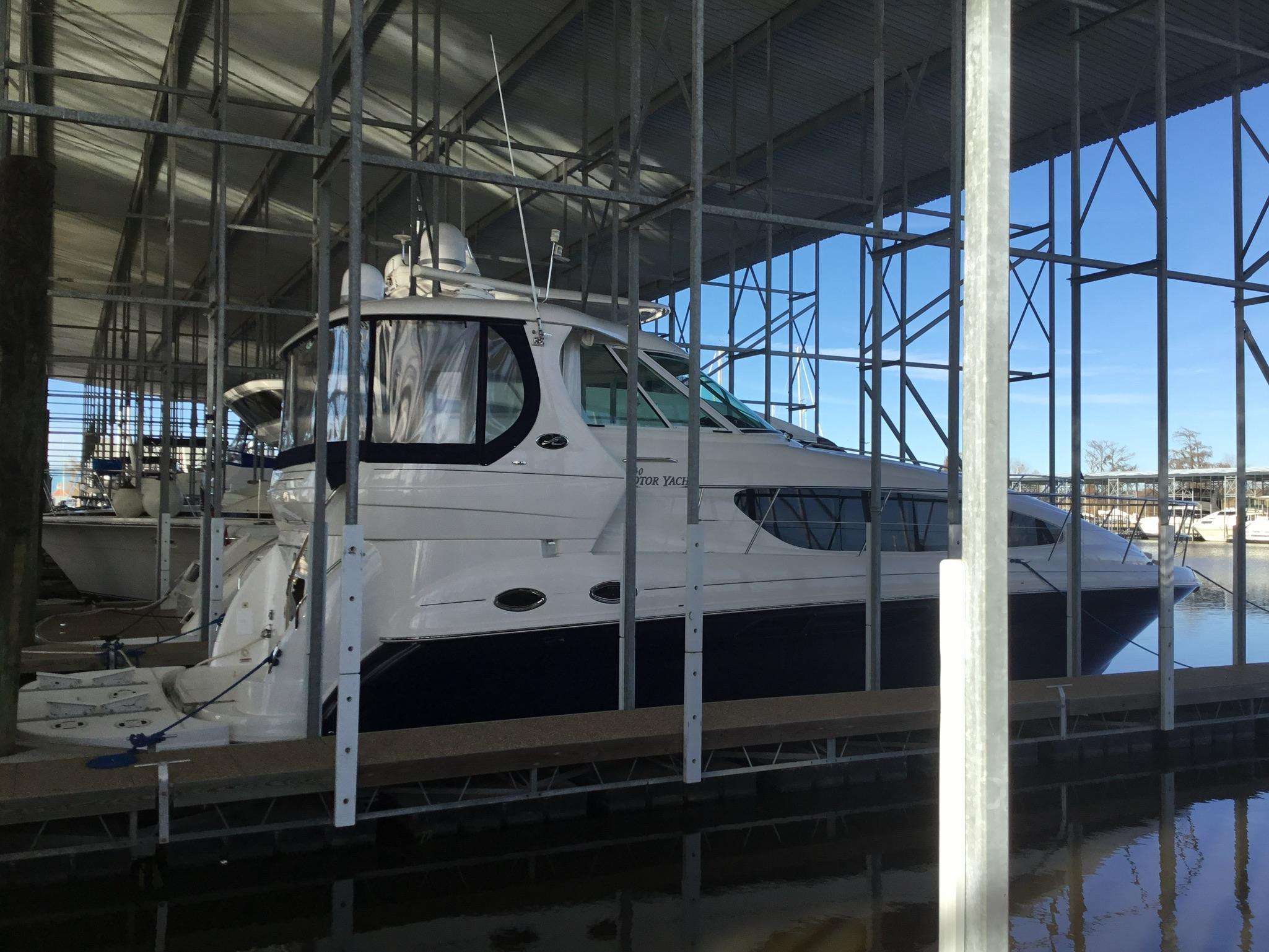 Sea Ray 40 Motor Yacht In-Slip