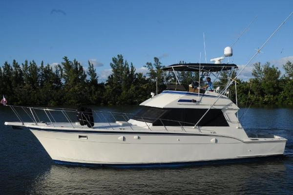 Hatteras 45 Convertible Profile