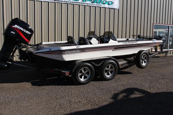 Champion Boats 203 Elite