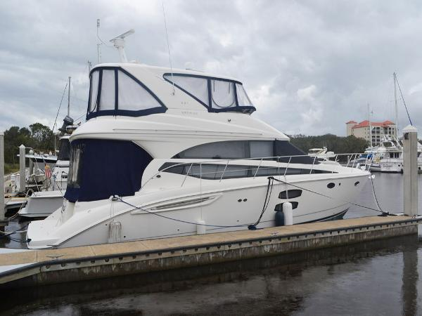 Meridian 441 Sedan Starboard Profile