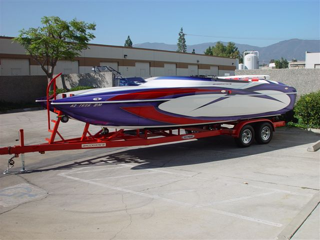 Shockwave 26 Cat Closed Bow