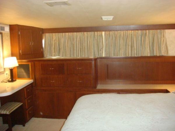 70' Hatteras Motoryacht master stateroom starboard