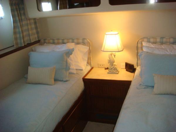 70' Hatteras Motoryacht port mid guest stateroom
