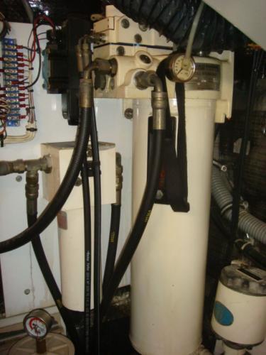 70' Hatteras Motoryacht hydraulic stabilizer pak