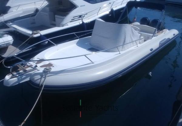 Capelli TEMPEST 900 SUN Capelli - Tempest 900 WA (5) Sestante Yachts brokerage company