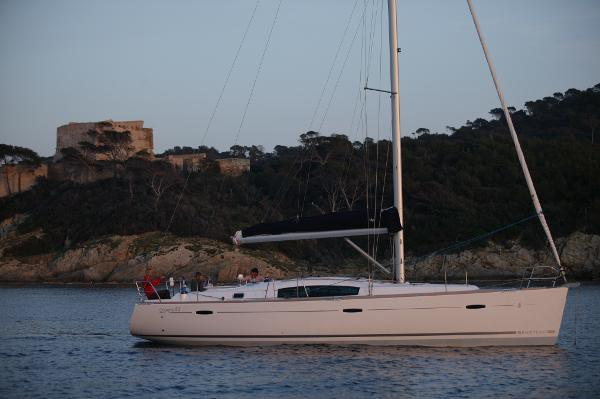Beneteau 43 Factory supplied picture