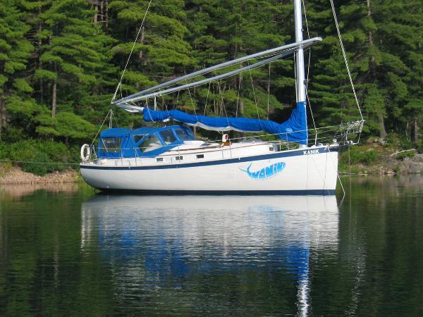 Hinterhoeller Nonsuch 30 Starboard profile