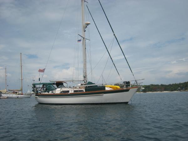 Slocum 43 Slocum 43 at anchor