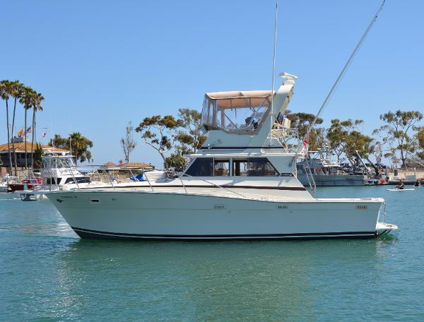 Viking 35 Convertible Port Profile