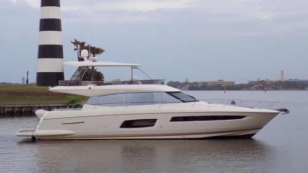 Prestige 550 Flybridge