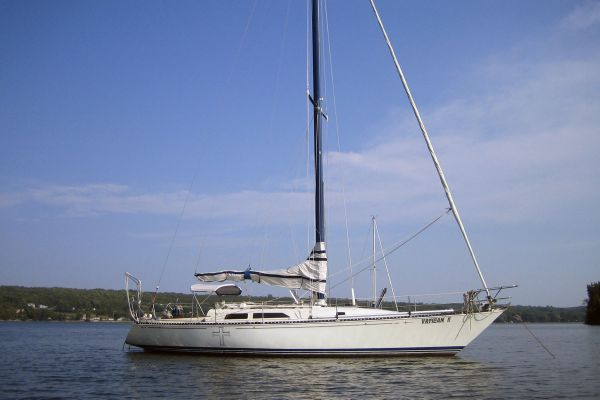 C&C 40 Custom CB Sloop At Anchor