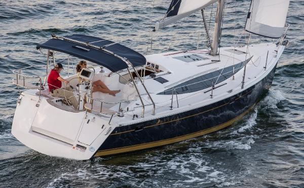 Hunter 37 Featured Picture Sailing