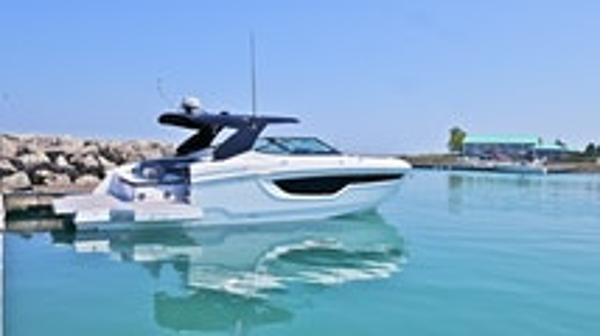 Cruisers Yachts 2022 38 GLS IO