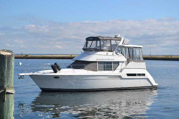 Carver 355 Aft Cabin Port Profile