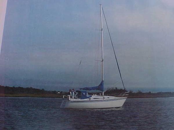 Hunter tall sloop