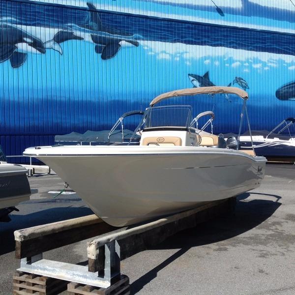 Scout Boat Company Sportfish / XSF 195 SF