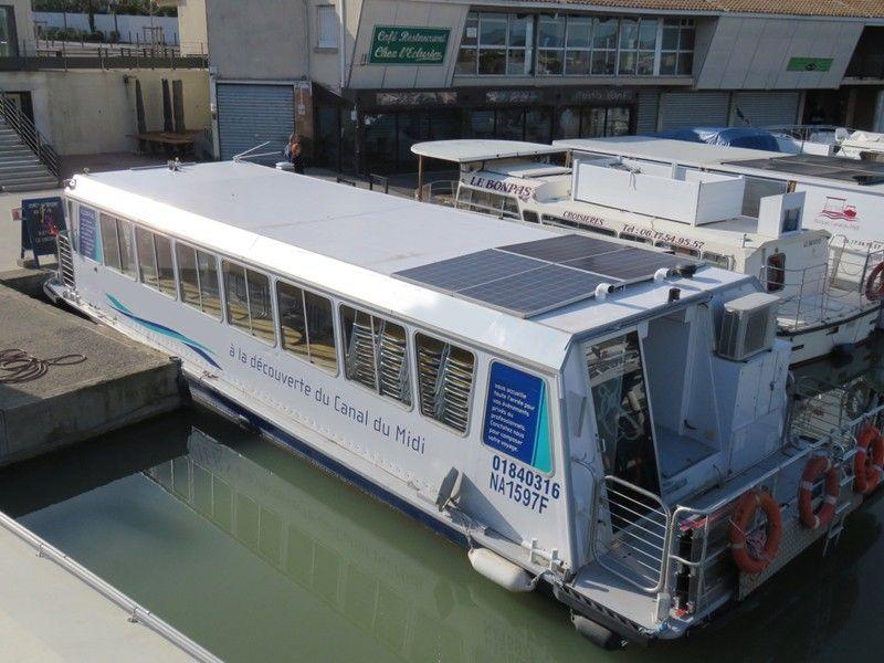 Trip Boat passenger-restaurant boat