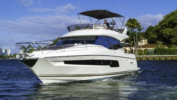Prestige 460 Flybridge Port Profile