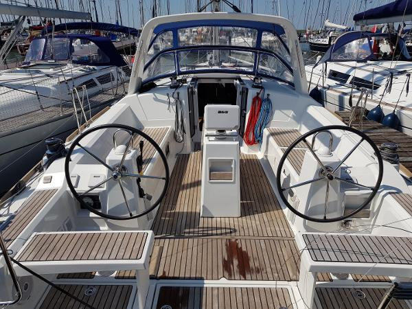 Beneteau Oceanis 38 Weekender Beneteau Oceanis 38