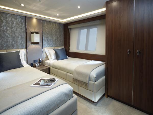 s M Class 40M Port Guest Cabin