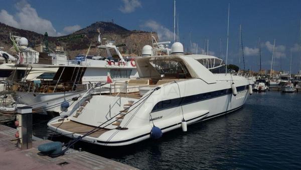 Overmarine Mangusta 80 OVERMARINE - MANGUSTA 80 - exteriors