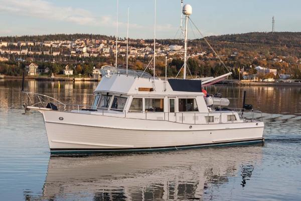Grand Banks 42 Classic Port Profile