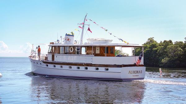 Trumpy Personal Houseboat