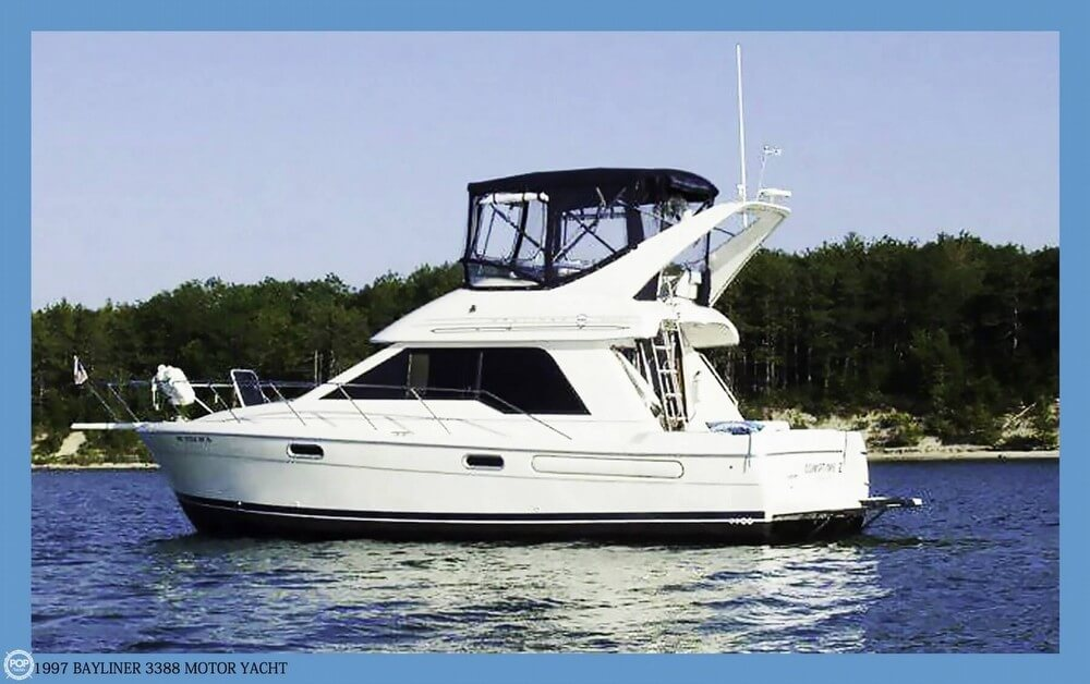Bayliner 3388 Motor Yacht 1997 Bayliner 3388 Motor Yacht for sale in Rogers City, MI