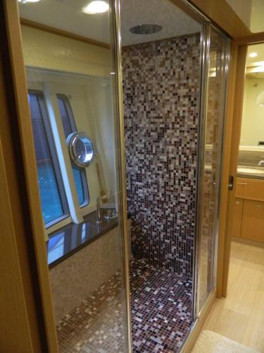 Master cabin - shower