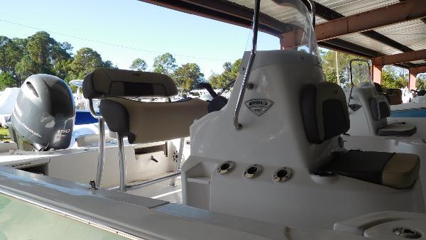 Tidewater Boats 2110 Bay Max