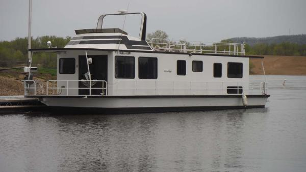 Skipperliner Fantasy Main Profile - Port Bow